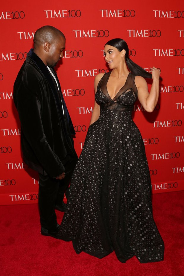 Picdstures-Kanye-West-Checking-Out-Kim-Kardashian