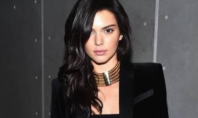 Kendall Jenner κάνει μια αποκαλυπτική εμφάνιση