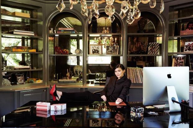 πόσα χρήματα έχει βγάλει ηKylie Jenner από τα καλλυντικά
