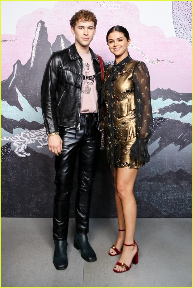 Selena Gomez στο fashion show του Coach