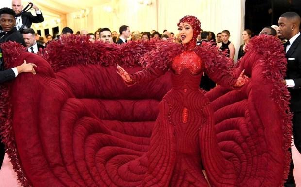φόρεμα της Cardi B στο Met Gala 2019