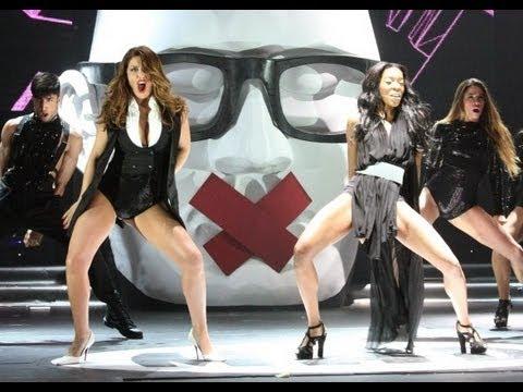 Playmen και η Έλενα Παπαρίζου έκαναν στη σκηνή των MAD VMA