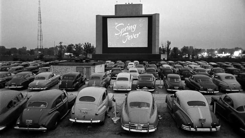 Drive-in Cinema: η ιδέα πίσω από την δημιουργία του, η ακμή του και η «ανηθικότητά» του