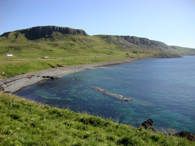 Vistas de la costa norte de Skye desde el castillo de Duntulm