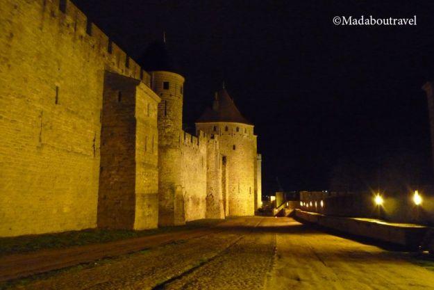 Las murallas de Carcassonne por la noche
