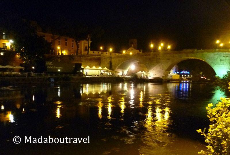 Río Tíber por la noche, Roma