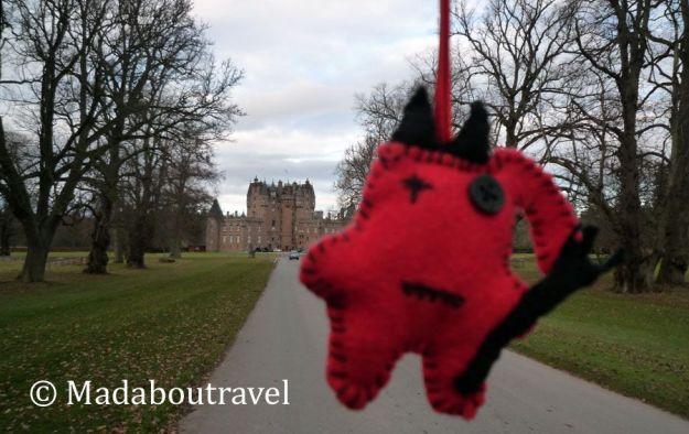 Dimoni de camino al castillo de Glamis