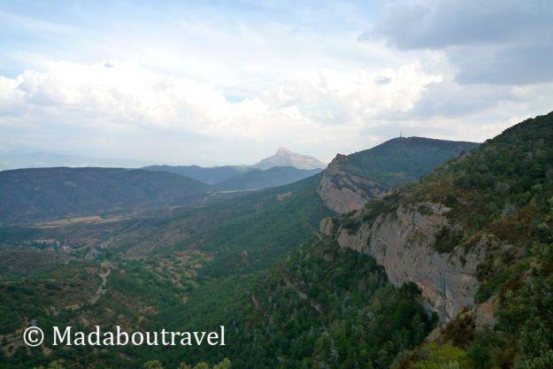 Vistas del pirineo aragonés desde san juan de la peña