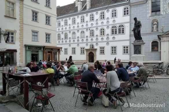 El Kleines Café en Franziskaner Platz, Viena