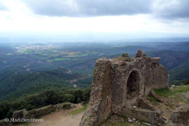 Vistas del parque natural del Montseny desde el Castell de Montsoriu