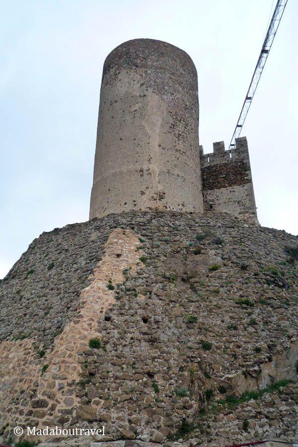 Torre del homenaje en el castillo medieval del Montsoriu