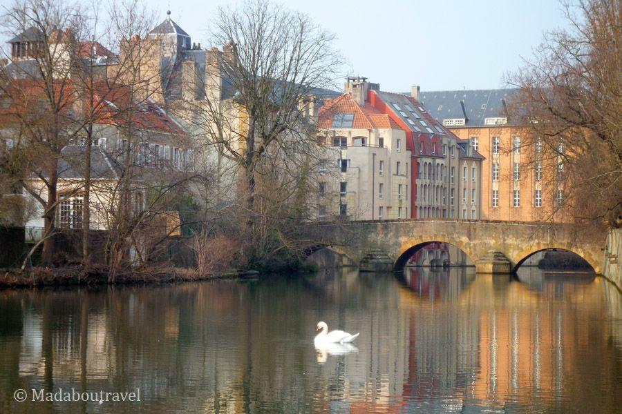 El río Mosela a su paso por Metz