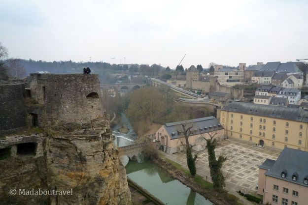 Casamatas del Bock y vistas del barrio del Grund, Luxemburgo