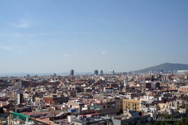 Vistas panorámicas de Barcelona desde la terraza del hotel Barceló Raval