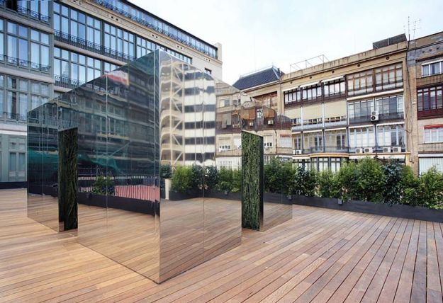 Escultura de Cristina Iglesias en la Fundación Godia
