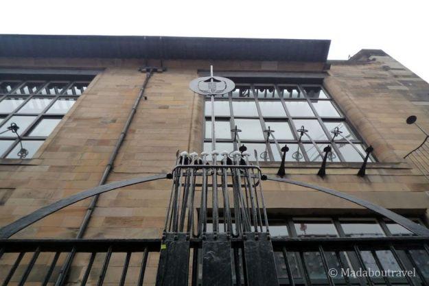 Detalle de la verja de la Escuela de Arte de Glasgow de Mackintosh