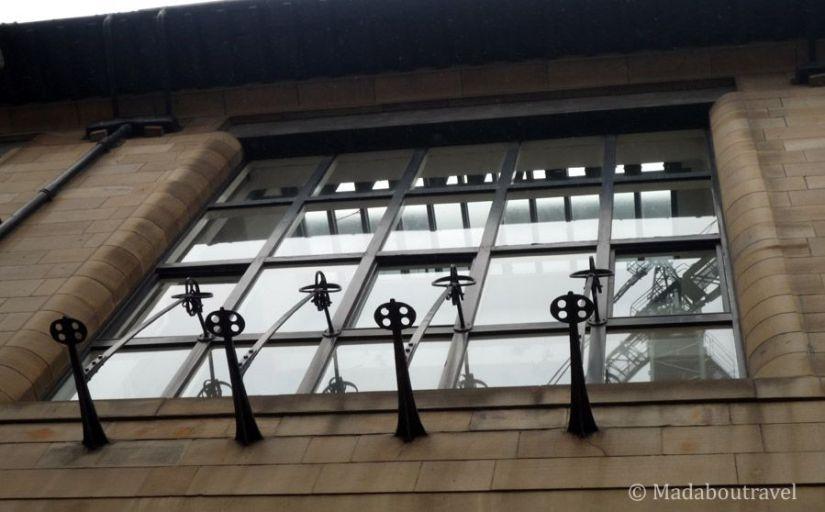 Ventana de la Escuela de Arte de Glasgow