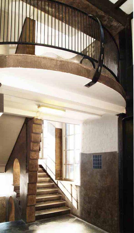 Escalera Este de la Escuela de Arte de Glasgow. Foto (c) The Glasgow School of Art