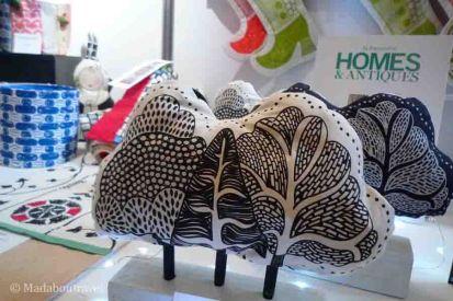 Objetos decorativos con tela muy originales en el mercado de Navidad de Hopetoun Place