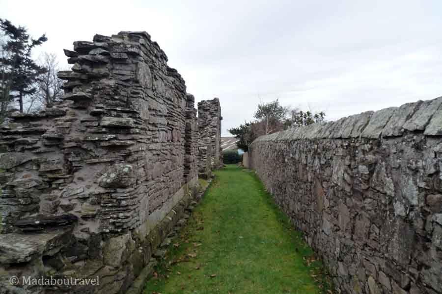 Fragmento de muro de la Abadía de BalmerinoFragmento de muro de la Abadía de Balmerino