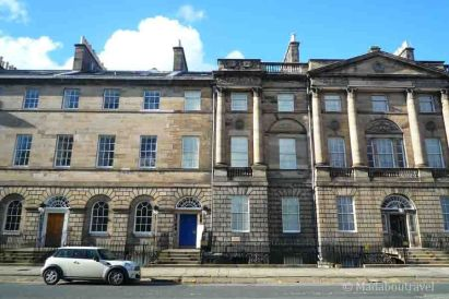 Georgian House está al lado de la residencia oficial del Primer Ministro
