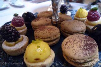 Selección de repostería en el afternoon tea del Hotel Palace
