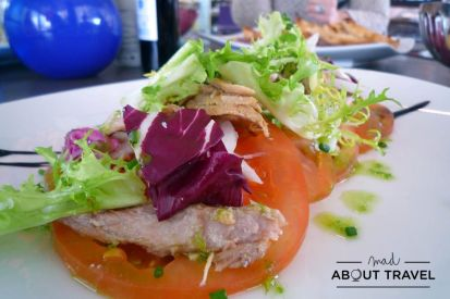 Ensalada de tomate y atún