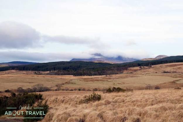De camino a los círculos de piedra de Machrie Moor