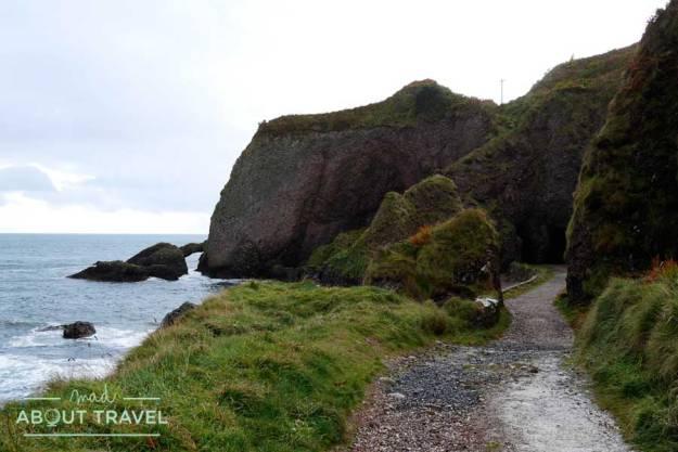 Cuevas de Cushendun en Irlanda del Norte