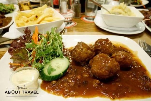 Cena en el restaurante Domus de Lovaina