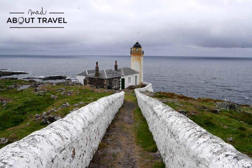 Faro de Low Light en la Isla de May Escocia