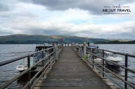 Muelle de Luss en el lago lomond de Escocia