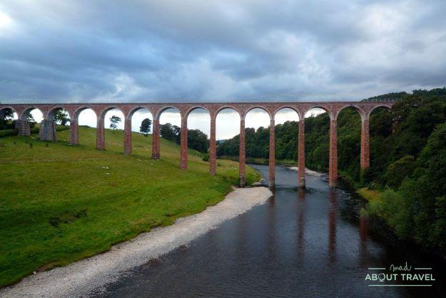 Viaducto de leaderfoot en las tierras bajas de escocia