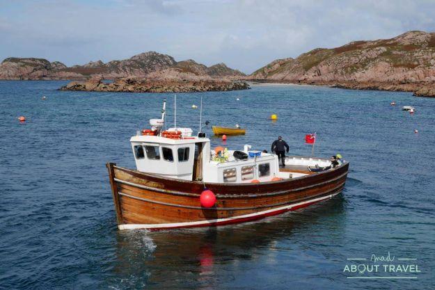excursión en barco a la isla de staffa
