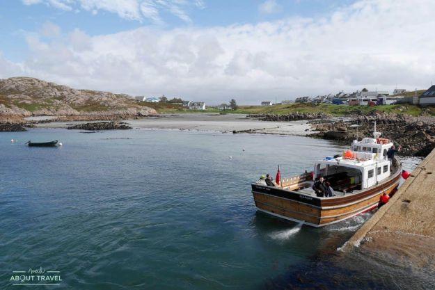 puerto de fionnphort en la isla de iona escocia