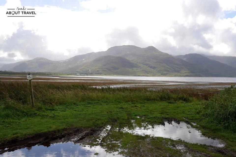 vistas de la isla de ulva desde la isla de mull