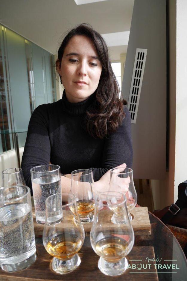 cata de whisky en la scotch whisky experience de edimburgo