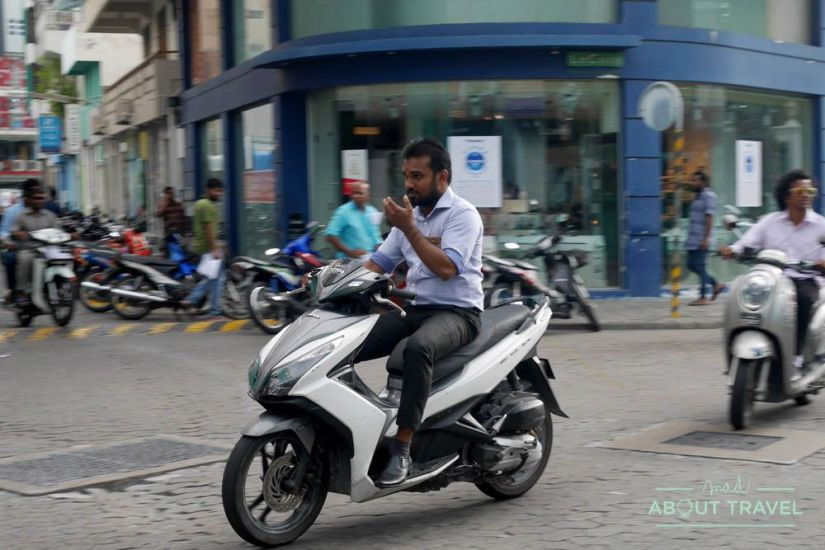 que ver en male: motos