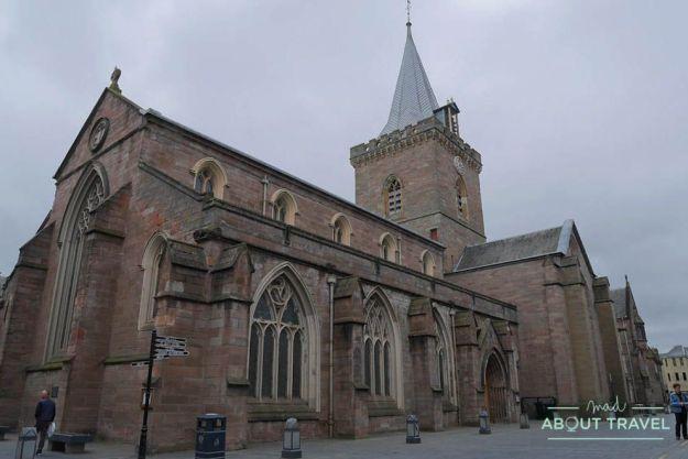 que ver en perth: iglesia de st john