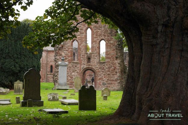 Ruinas del Priorato de Beauly - Ruta North Coast 500 Escocia