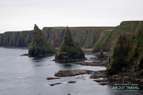 Dunscanby Stacks - Ruta North Coast 500 Escocia