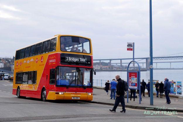 bus del 3 Bridges Tour en South Queensferry