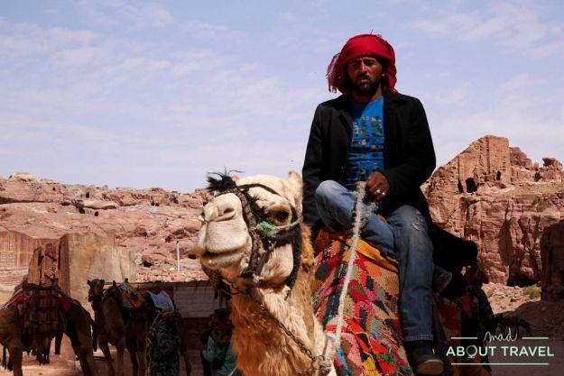 viajar a Jordania beduino petra