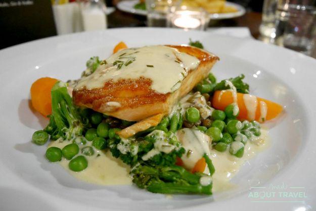 cena en el hotel The Arch Inn, Ullapool
