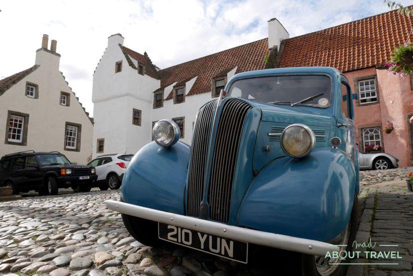 coche antiguo en culross, fife