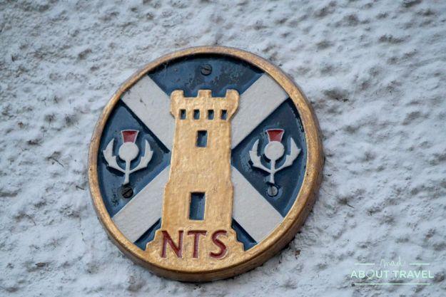 placa del national trust for Scotland en Culross