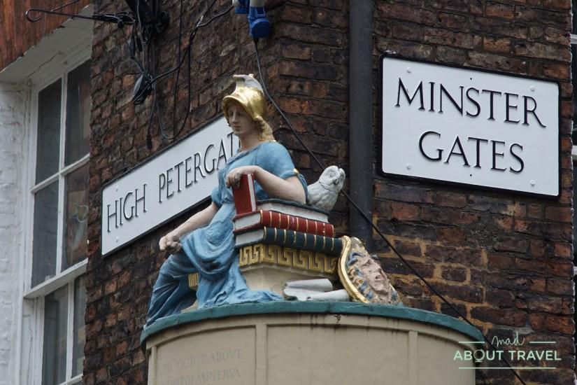 detalle en un callejón de York