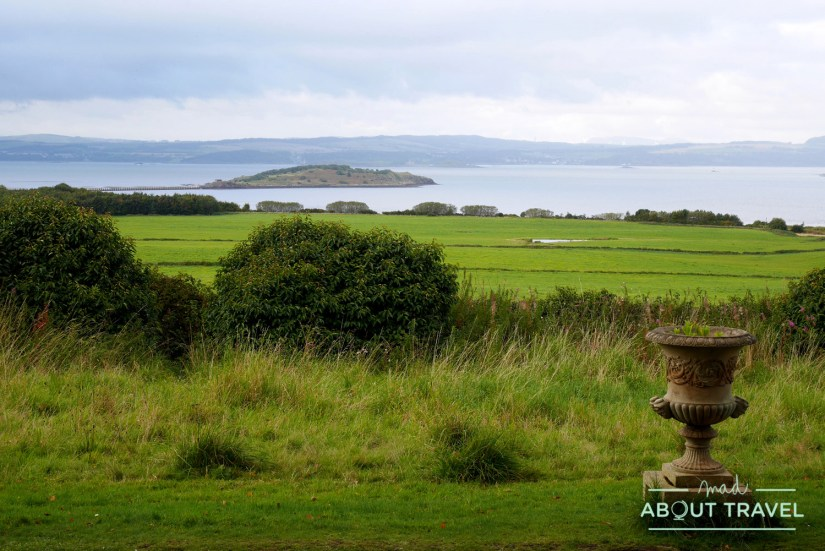 Playa de Silverknowes en Edimburgo e isla de Cramond vistas desde el castillo de Lauriston