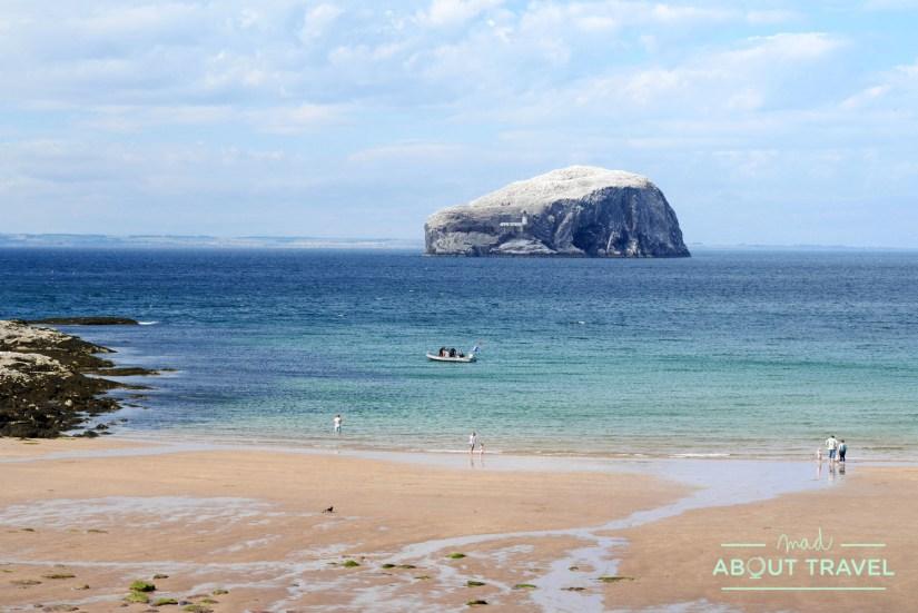 Playa de Seacliff en la costa de East Lothian