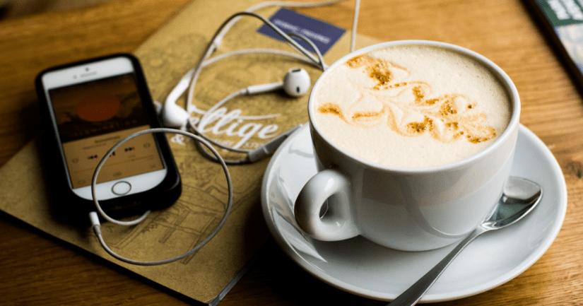 Los 21 mejores podcasts sobre Escocia perfectos para viajar desde casa